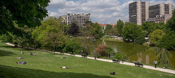 【巴黎14區】蒙蘇里公園 (Parc de Montsouris) 野餐初體驗 綠意盎然 慢活生活 一定要再去