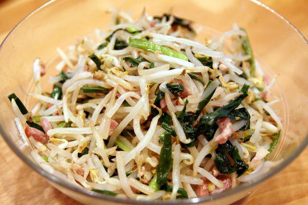 【食譜】韭菜豆芽炒豬肉 清冰箱 簡單到不行 五分鐘即可