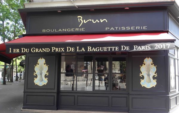 Brun Boulangerie Patisserie 巴黎第一名的棍子麵包