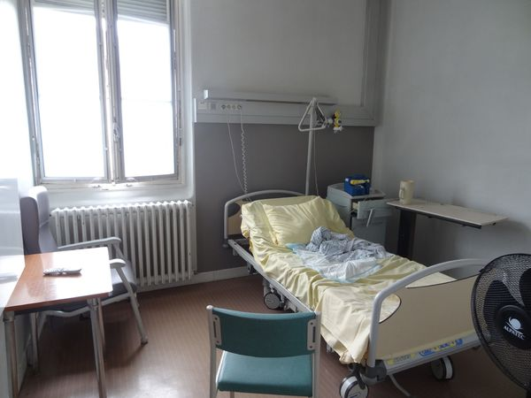法國早產紀錄 (五) 出院。各式文件辦理。焦頭爛額的新手爸爸