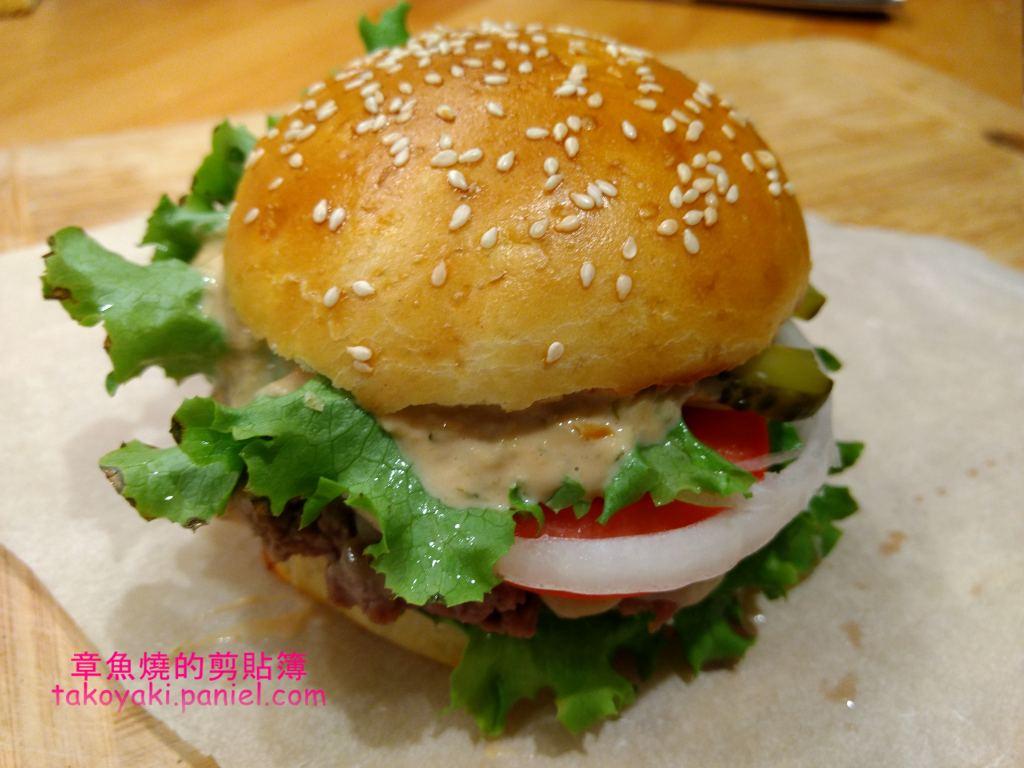 【食譜】起司漢堡和自製漢堡餐包 Cheeseburgers et buns